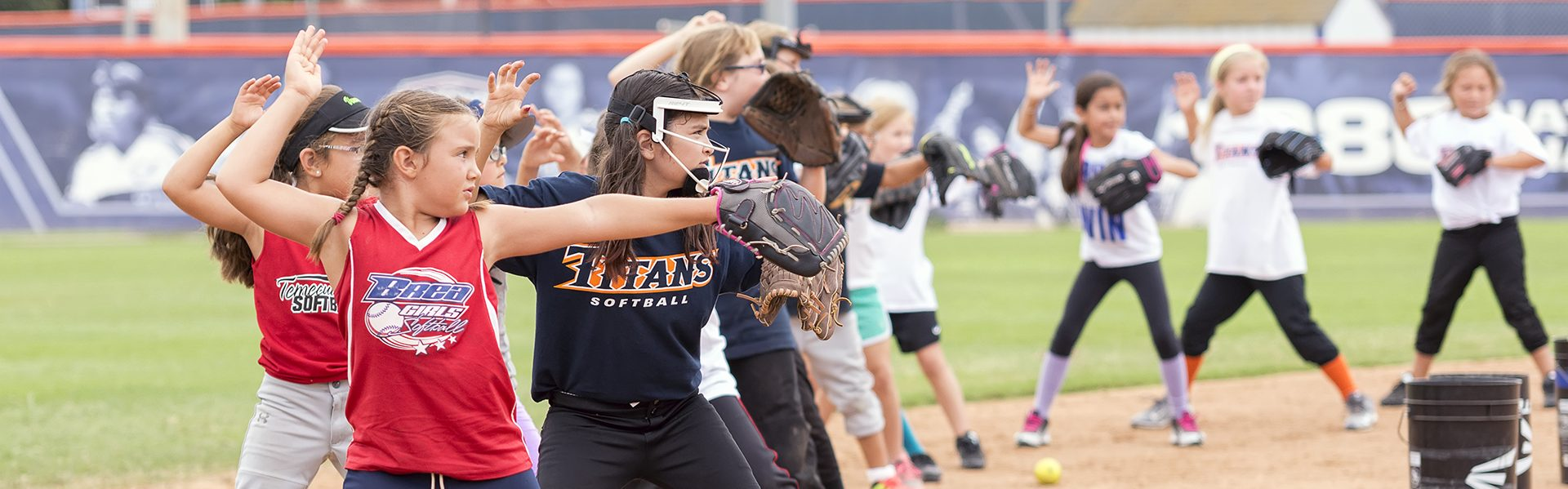 TITAN SOFTBALL CAMPS